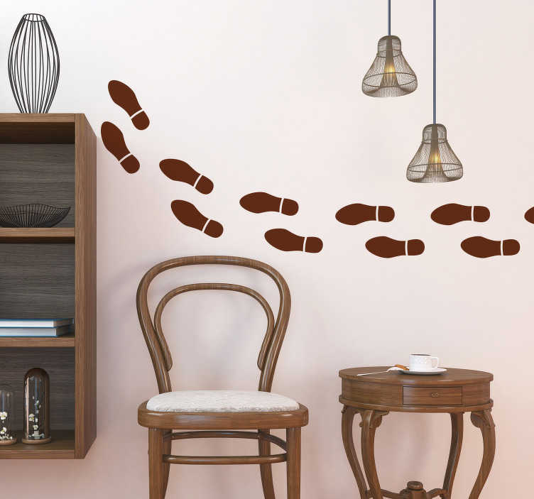 TenStickers. Muurdecoratie sticker voetafdrukken schoen. Decoreer de muur in uw woning met voetafdrukken, dankzij deze fantastische muursticker. Kleur en formaat aanpasbaar. Eenvoudig aan te brengen.