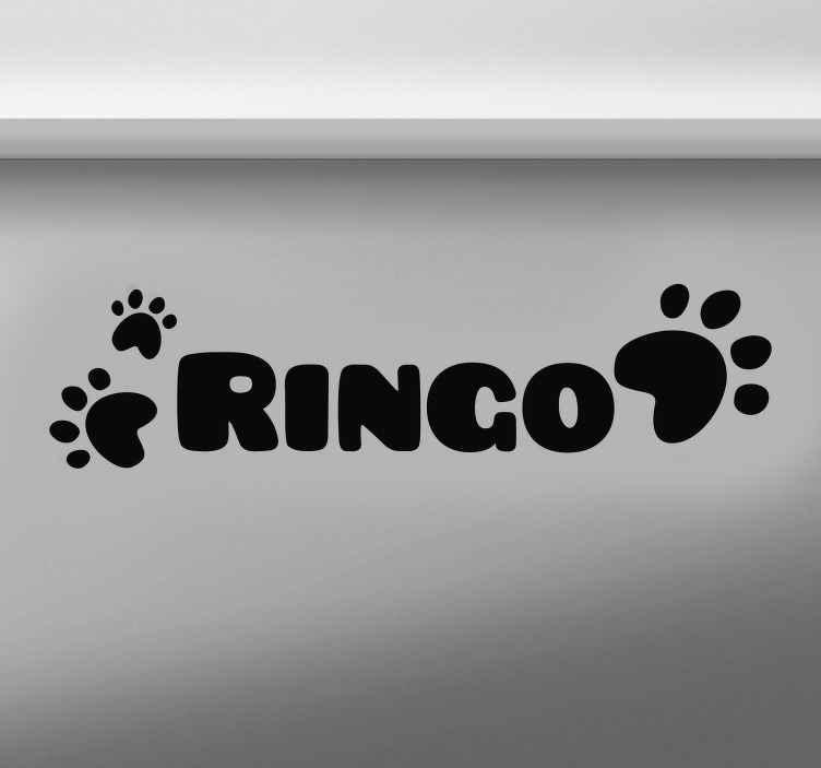 TenStickers. Sticker Maison Nom Chien Personnalisable. Personnalisez le nom de votre chien à l'aide d'un sticker animal spécialement conçu pour le placer dans une cuisine, garage ou autre murs pour un résultat garantit. Envoi Express 24/48h.