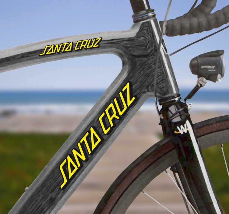 TenVinilo. Vinilo bicicleta Santa Cruz color. Kit de adhesivos con el logo de letras amarillas de Santa Cruz.Escoge el color que mejor te convenga que obtener el mayor contraste en estos adhesivos de gran calidad y resistencia.