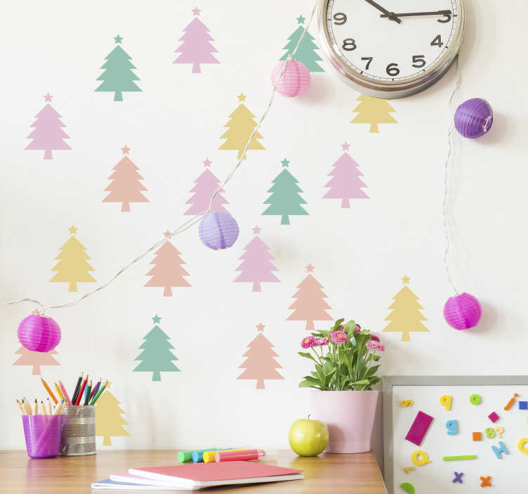 TenStickers. Tienerkamer muursticker kerstbomen. Decoreer uw woning deze feestdagen met onze unieke decoratie sticker van meerdere, kleurrijke kerstbomen. Ook voor ramen en auto's.
