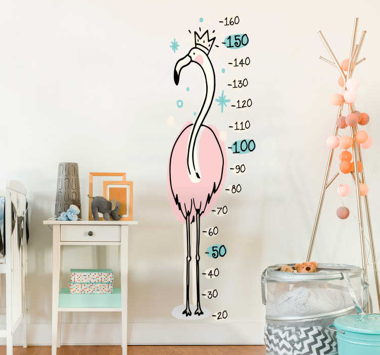 TenStickers. Naklejka dla dzieci miara wzrostu flaming z koroną. Naklejka-miarka dla dzieci, która przedstawia flaminga w koronie. Idealna dekoracja, aby być zawsze na bieżąco z wyglądem Twojego dziecka! Naklejka na każdą gładką powierzchnię!