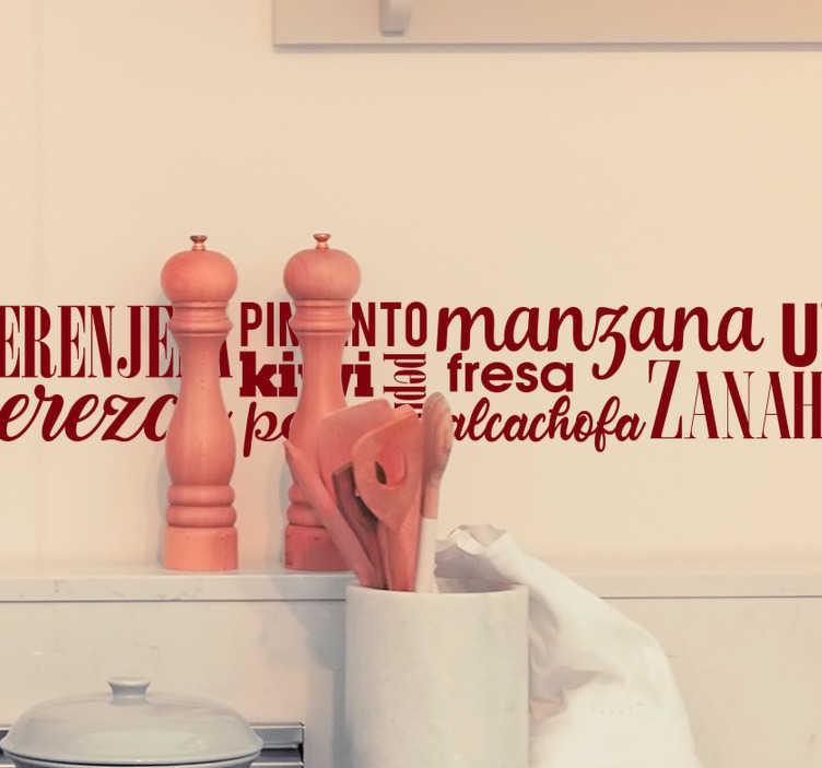 TenVinilo. Vinilo pared Frutas y hortalizas. Vinilo adhesivo monocolor formado por el nombre de frutas y verduras en diferentes tamaños, tipografías y colocados de varias maneras.