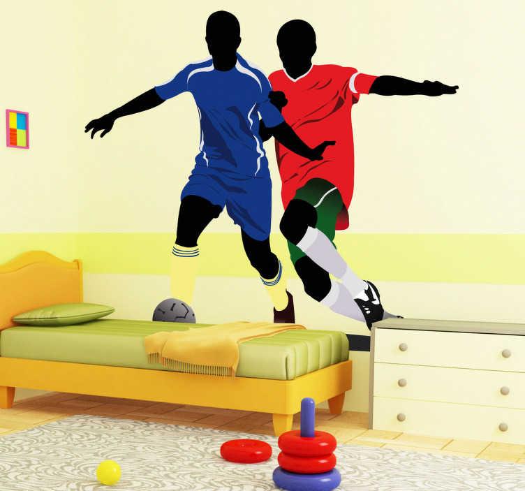 TenStickers. Naklejka dekoracyjna zawodnicy piłki nożnej. Naklejka na ścianę przedstawiająca dwóch zawodników grających w piłkę nożną. Oryginalny pomysł na dekorację pokoju dziecięcego.