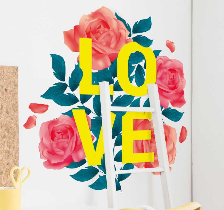"""TenStickers. Slaapkamer muursticker bloemen liefde. Romantische muursticker die het woord """"Love"""" met roze rozen eromheen afbeeldt. Verkrijgbaar in verschillende afmetingen."""