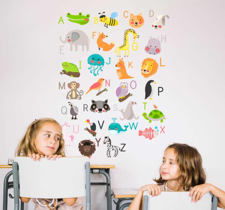 TenStickers. Naklejka ścienna alfabet z obrazkami zwierząt. Naklejka dla dzieci, przedstawiająca alfabet wraz z rysunkami różnego rodzaju zwierzątek! Nasi graficy pomogą Ci z projektem!