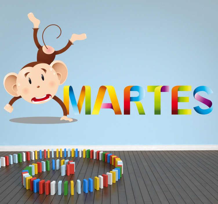 TenStickers. Adesivo bambini giorno settimana martedi. Sticker decorativo che raffigura il nome del secondo giorno della settimana, accompagnato da un'allegra scimmietta.