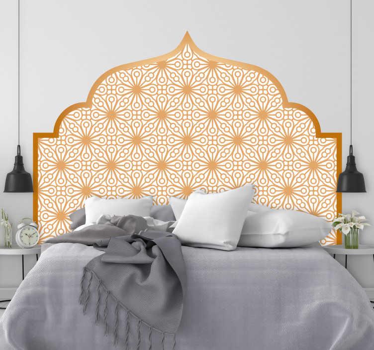 TenVinilo. Vinilo cabecero Árabe geométrico. Espectacular vinilo de cabecero con un diseño geométrico típico de la cultura árabe en tonos dorado mate. +10.000 Opiniones satisfactorias.