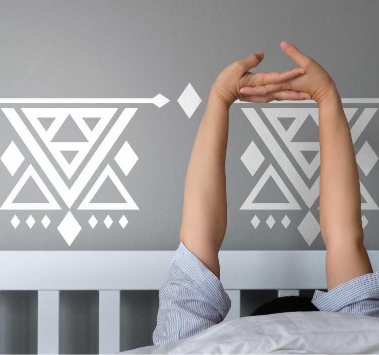 TenStickers. Sticker Abstrait Motifs style abstrait. Cet adhésif décor abstrait de motifs triangulaires apportera à votre espace personnel une touche unique en son genre et pleine de personnalité