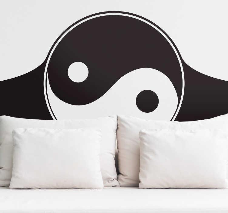 TenStickers. Sticker Maison Yin et Yang. Magnifique sticker de dessin du Yin et du Yang, symbole certes connu de tous, mais l'avoir en tant que sticker tête de lit est une idée originale