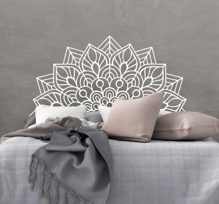 TenStickers. Sticker Maison Mandala Yoga. Découvrez comment décorer votre tête de lit à l'aide de notre sticker mural yoga que vous pouvez changer comme vous souhaitez. Service Client Rapide.