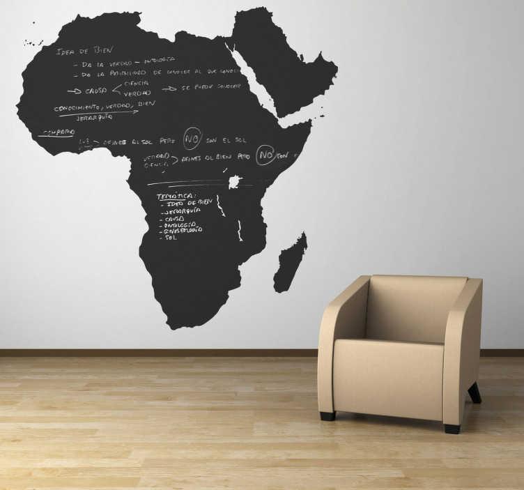 TenStickers. 아프리카 칠판 스티커. 칠판 스티커 - 아프리카 대륙의 실루엣. 이 칠판 벽 스티커는 어떤 방을 꾸미기에 이상적이며 노트와 아이디어를 쓰는 데 실용적입니다. 그릴 수있는이 아프리카 디자인으로 객실을 맞춤 설정하십시오. 무료 분필이 제공됩니다!