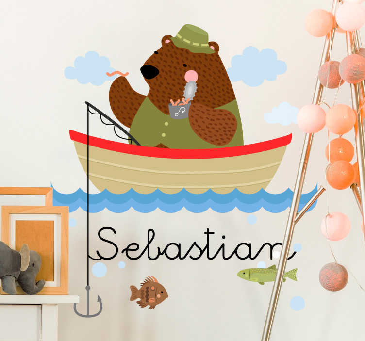 TenVinilo. Vinilo infantil oso pescador con nombre. Pegatina para habitación infantil con el diseño de un oso pescador acompañado de varios detalles muy bien cuidados. Promociones Exclusivas vía e-mail.