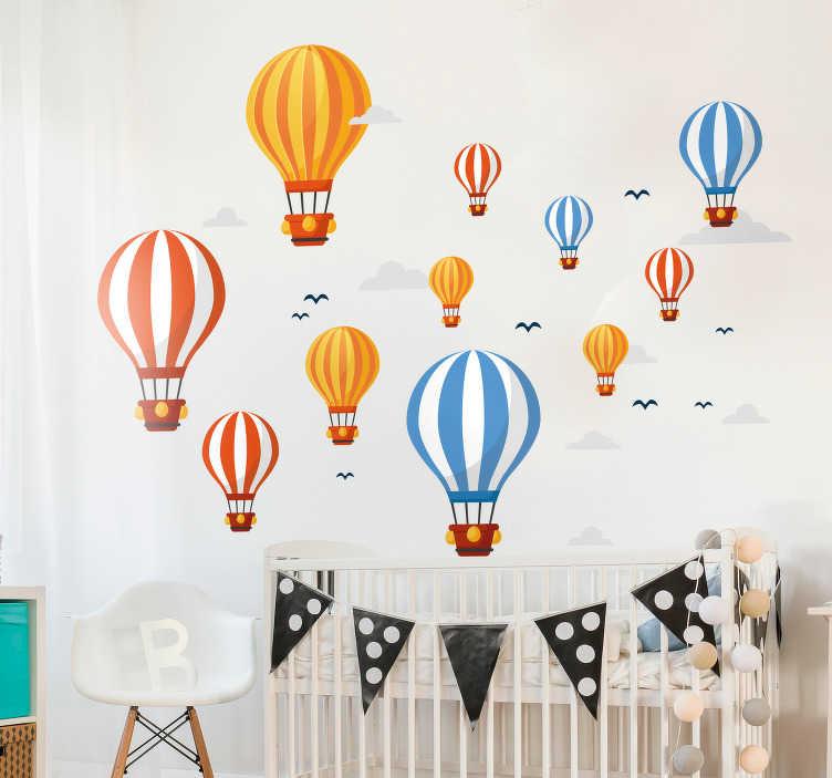 TenVinilo. Vinilo habitación infantil Patron globos aerostaticos. Vinilo para habitación infantil formado por un patrón de globos aerostáticos, nubes y pájaros en diferentes tamaños. Fácil aplicación y sin burbujas.