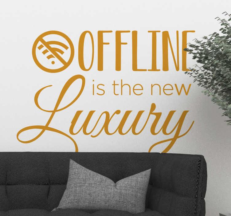 TenStickers. Naklejka na ścianę do jadalni Życie offline. Naklejki na ścianę napisy do salonu to świetny pomysł na nieszablonowe dekoracje domu. Sprawdź naklejki z napisem dotyczącym życia bez Internetu.