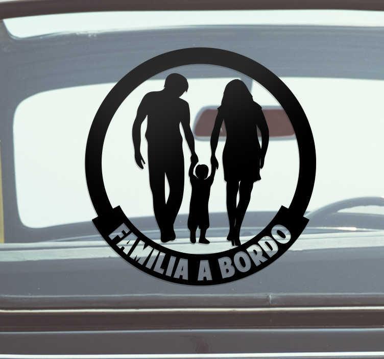 TenVinilo. Vinilo para coche familia a bordo de la mano. Pegatina familia a bordo para coche con una familia de la mano con el hijo en el centro para recordar a los conductores que vigilen ¡Envío a domicilio!