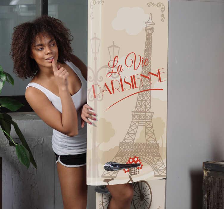 TenStickers. Okleina na lodówkę Paryskie życie. Masz dość nudnej kuchni? Sprawdź nasze wyjątkowe naklejki dekoracyjne na lodówkę z francuskim napisem La vie Parisienne i wieżą Eiffla.