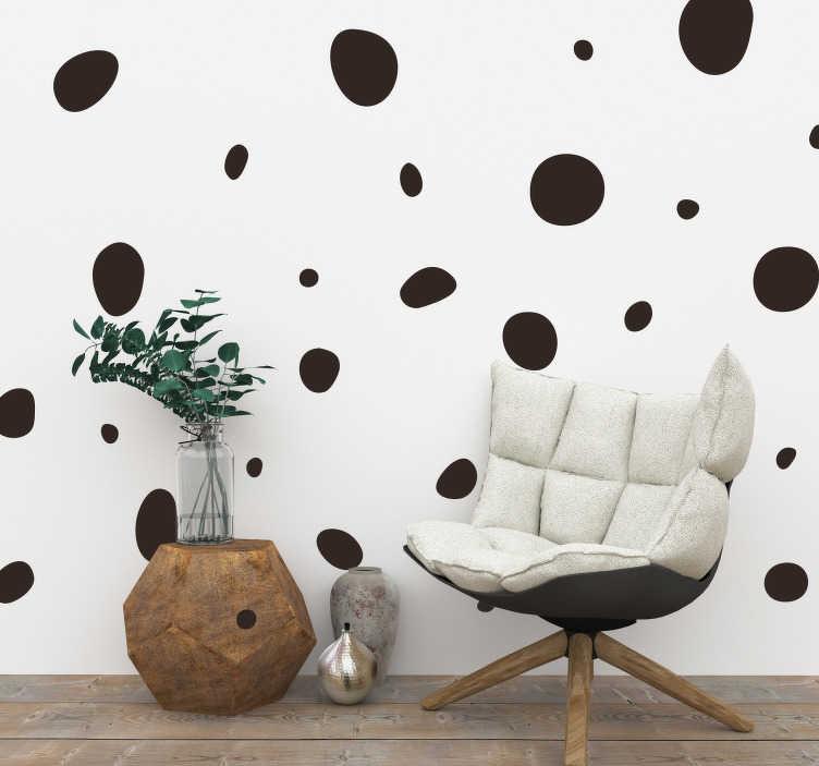 TenStickers. Muurstickers woonkamer dalmatiers stippen. Dalmatiers stippen muursticker, hoe bijzonder! Stippen behang muursticker, leuke en spontaan! Verrassende muursticker stippen! Stippen behang stickers
