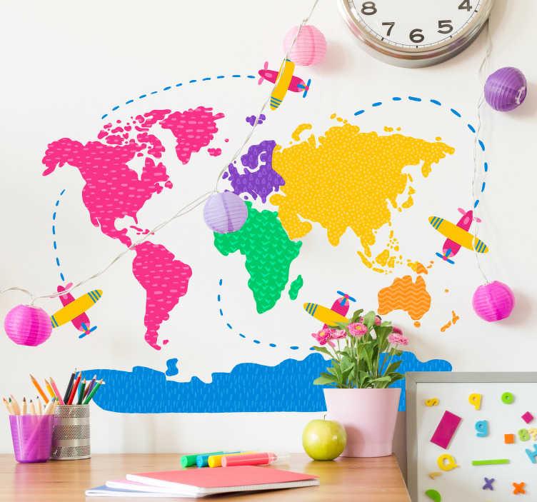 TenStickers. Muursticker wereldkaart kleurrijke wereldkaart. Kleurrijke wereldkaart muursticker! Deze vrolijke wereldkaart muursticker, mooie kleuren en kleine vliegtuigjes als wereldkaart sticker kinderkamer!