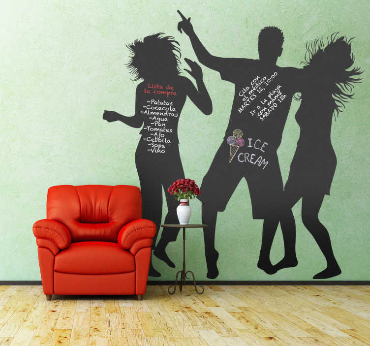 TenVinilo. Vinilo de pizarra gente bailando. Adhesivo con el contorno dibujado de tres personas bailando y pasándoselo bien. Decora la pared más triste de tu casa con este vinilo de pizarra tan alegre y dale vida a tu habitación.