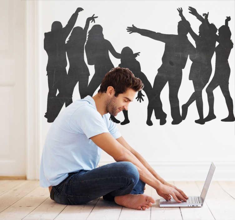 TenStickers. Naklejka tablica tańczaca grupa. Naklejka typu tablica kredowa przedstawiająca sylwetki tańczących ludzi. Świetny pomysł na dekorację miejsca spotkań z przyjaciółmi.