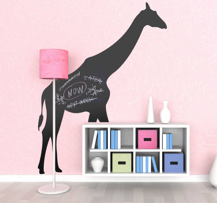 TenStickers. Naklejka tablica sylwetka żyrafy. Naklejka dekoracyjna w formie tablicy kredowej, przedstawiająca afrykańską zyrafę. Możesz pisać i malować po naklejce kredą.
