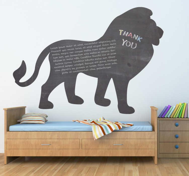 TenVinilo. Vinilo pizarra silueta león. El rey de la selva, el más fiero de los felinos domesticado en tu casa. Decora tu salón con la silueta de este animal troquelada sobre adhesivo de pizarra.