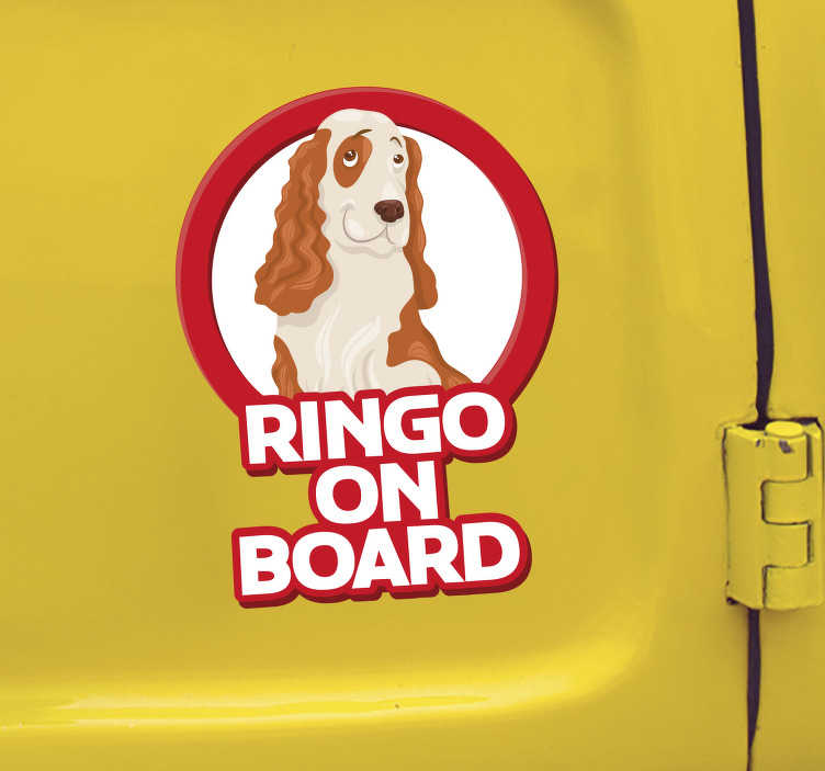 """TenVinilo. Pegatina perro a bordo Cocker Spaniel. Pegatina adhesiva personalizada para vehículo con el diseño de un Cocker Spaniel acompañado del texto """"a bordo"""". Fácil aplicación y sin burbujas."""