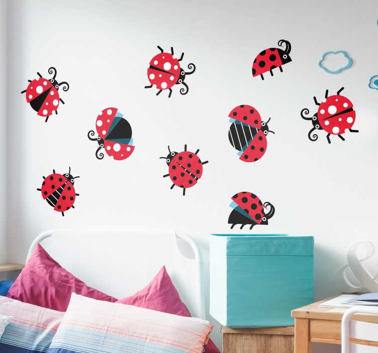 TenStickers. 瓢虫设置动物墙贴纸. 用这套瓢虫为你的墙壁或门增添一抹色彩。适合所有年龄段的人,尤其是儿童卧室的动物贴纸。