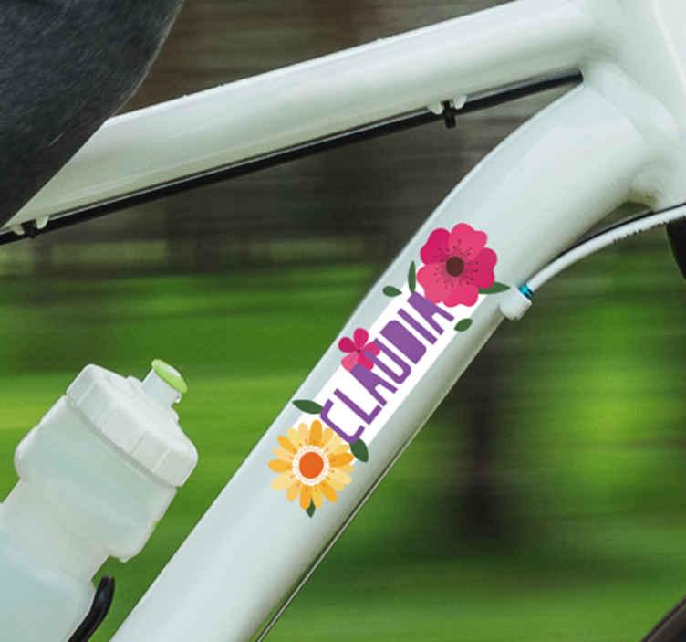 TenStickers. Disegno per pareti Fiori e nome. Fantastici adesivi per bici con fiori e nome. Controlla i nostri adesivi personalizzati con un nome e rendi speciale la tua bicicletta! Disponibile in 50 colori.