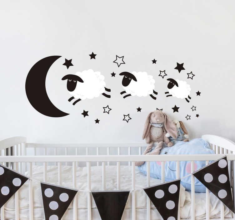 TenStickers. Adesivo murale Contare le pecore. Decora la cameretta dei tuoi bimbi con un adesivo murale bambino, che presenta l'immagine di pecore che saltellano in un cielo stellato!