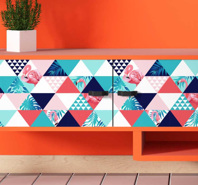 TenStickers. Sticker Meuble Fleurs et Flamands roses. Ce sticker pour meuble très original est composé de motifs de triangles accompagnés de flamands roses et de dessins de fleurs.