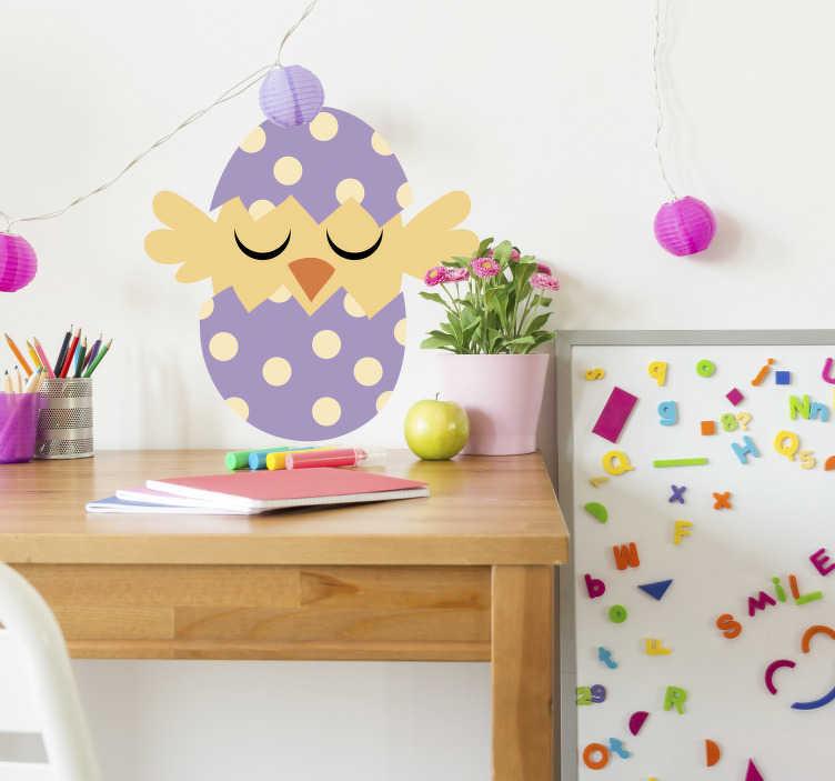 TenStickers. Sticker Animal de la Ferme Poussin de Pâques. Pour l'arrivée de Pâques, craquez pour cet adorable poussin qui sort de son oeuf de toutes les couleurs ! Promo Exclusives par email.