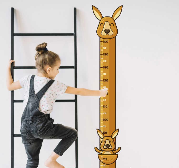 TenStickers. Muurstickers kinderkamer kangoeroe meter. Met deze kangoeroe groeimeter muursticker kan je de lengte van jouw kinderen door de jaren heen bijhouden terwijl ze groeien.