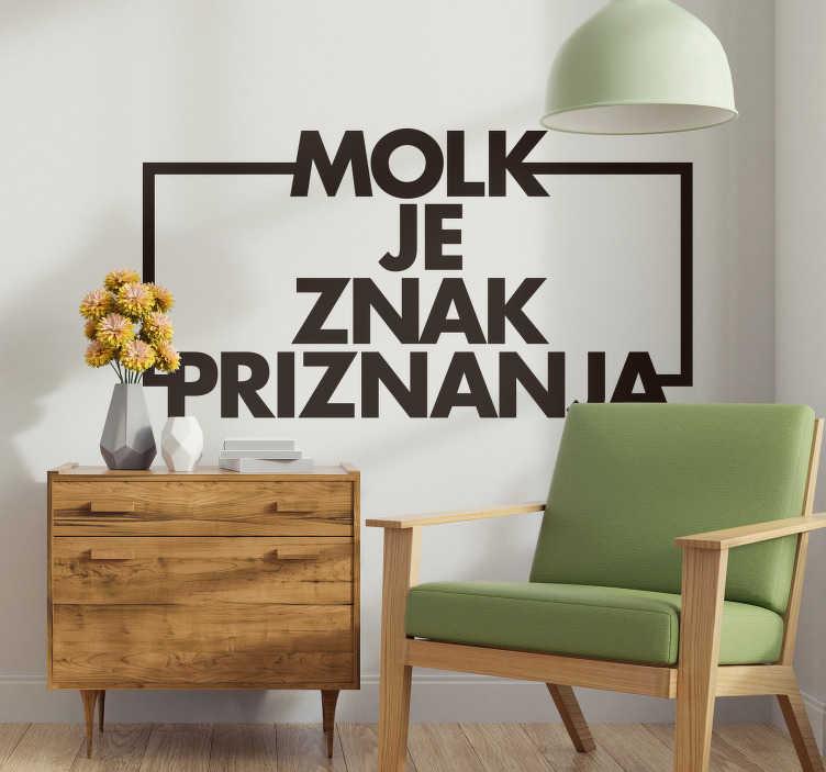 TenStickers. Besedilo slovenija dnevna soba dnevna soba dekor. Ta besedilna nalepka je idealna za dnevno sobo. Stenska nalepka slovensko besedilo je narejeno iz vinilne nalepke. Dnevne nalepke v vseh velikostih