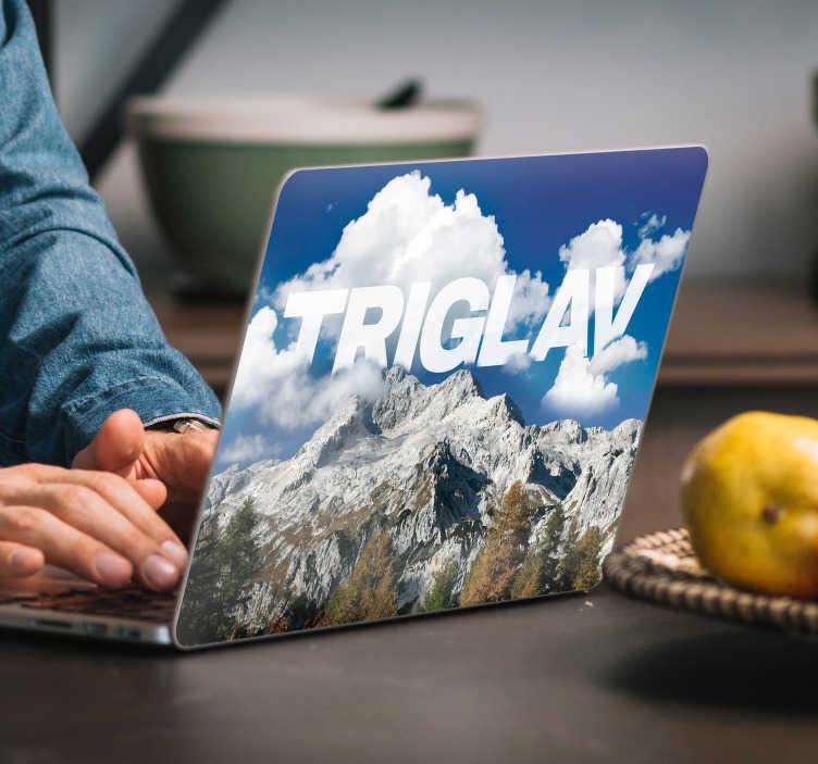 TenStickers. Triglav mountain laptop nalepka nalepke. Lepa triglav gorska nalepka za laptop in slovenija laptopstickers in gorska nalepka za prenosni računalnik. Triglav laptopsticker za različne velikosti prenosnih računalnikov.