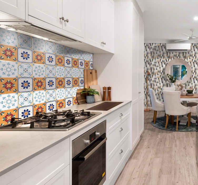 TenStickers. Sticker Maison Carreaux Multicolores. Pour pouvoir donner une touche vintage à la décoration de votre cuisine, rien de tel que cette frise adhésive composée de motifs floraux et colorés !