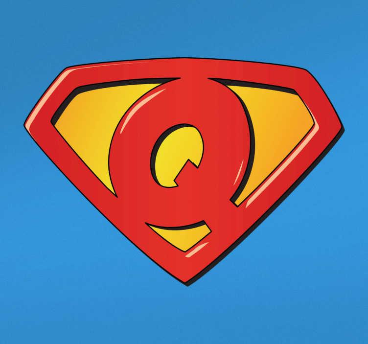 TenStickers. 슈퍼 남자 슈퍼 q는 아이를위한 벽 스티커. 멋진 남자 로고 디자인의 차가운 스티커. 우리의 슈퍼 남자 로고 스티커는 어린이를위한 이상적인 슈퍼 맨 벽 장식입니다. 슈퍼 남자 브랜드 벽 스티커!