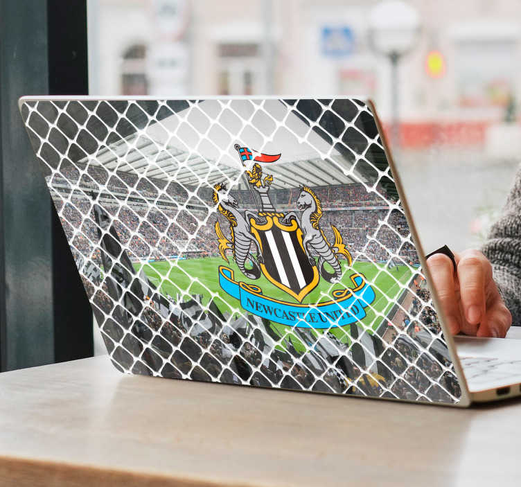 TenStickers. St James Park Trampantojo Laptop Sticker. Show your support for Newcastle Football Club with this fantastic piece of computer decor for your laptop! Personalised stickers.