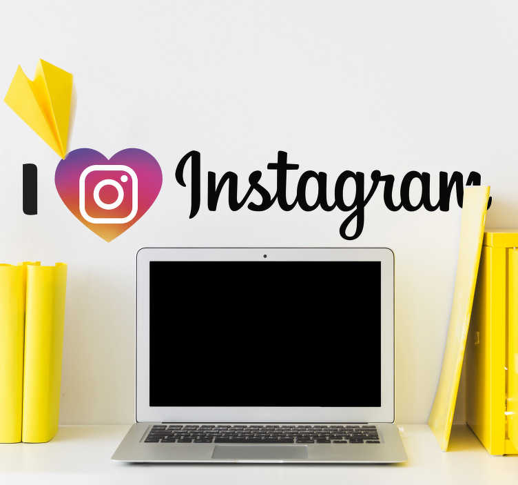 "TenStickers. 我喜欢instagram家居墙贴. 这个墙贴文字贴纸""我喜欢instagram""与instagram标志可以完美适合青少年卧室或办公室。防泡乙烯基。"