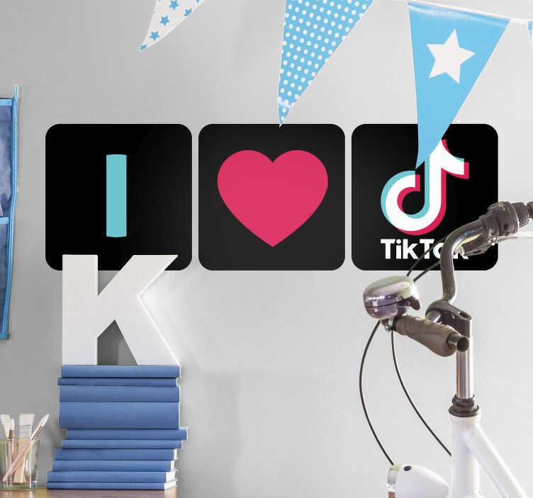 """TenStickers. 我喜欢tik tok商业贴纸. 这个绘图墙贴""""我爱tik tok""""是为每天使用这个新的着名应用程序的人制作的。选择你的尺码。"""