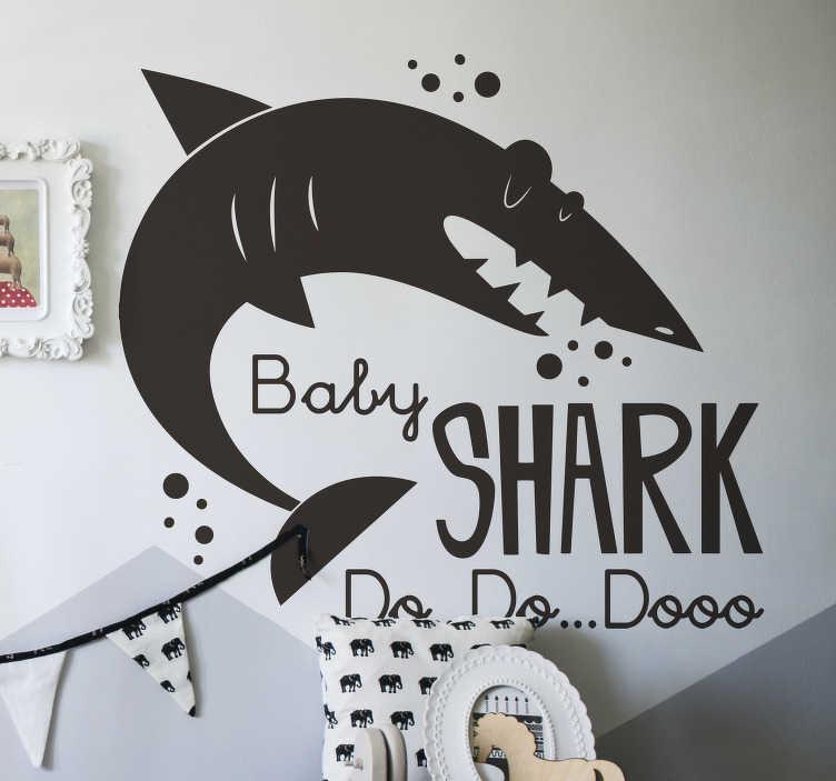 TenStickers. Muurstickers kinderkamer Baby shark silhouet. Mooie zwarte haai sticker voor uw muur! Deze haai muursticker is ideaal voor de kinderkamer! Geniet samen van baby shark sticker en sticker baby shark