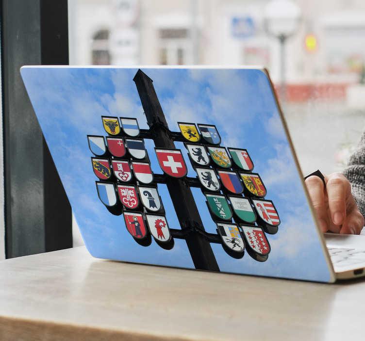 TenStickers. Fototapete Schweizer Kantone Wappen. 26 Wappen und jedes einzelnde repräsentiert sein eigenen Kanton in der Schweiz. Dieser Aufkleber ist perfekt für Ihren Laptop gemacht.