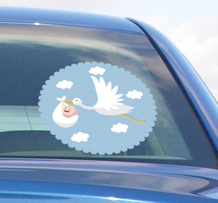 TenStickers. Naklejka Bocian niosący dziecko. Niezwykła naklejka na auto z wizerunkiem bociana? Odjazdowe naklejki na samochód z bocianem niosącym dziecko mogą ułatwić Ci to zadanie.
