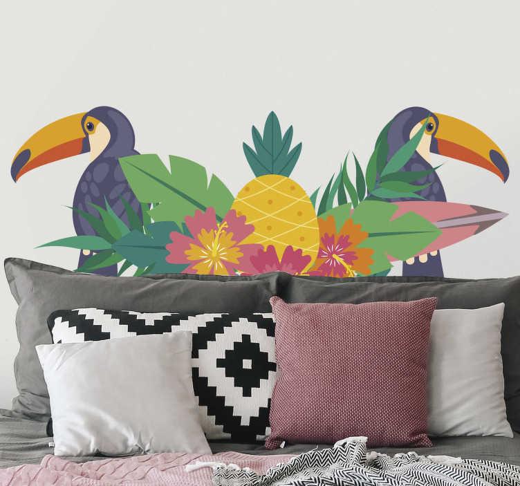 TenVinilo. Vinilo pared tropical tucan. Cabecero adhesivo de una cama de matrimonio formado por un estampado tropical con tucanes, flores y hojas de palmera. +10.000 Opiniones satisfactorias