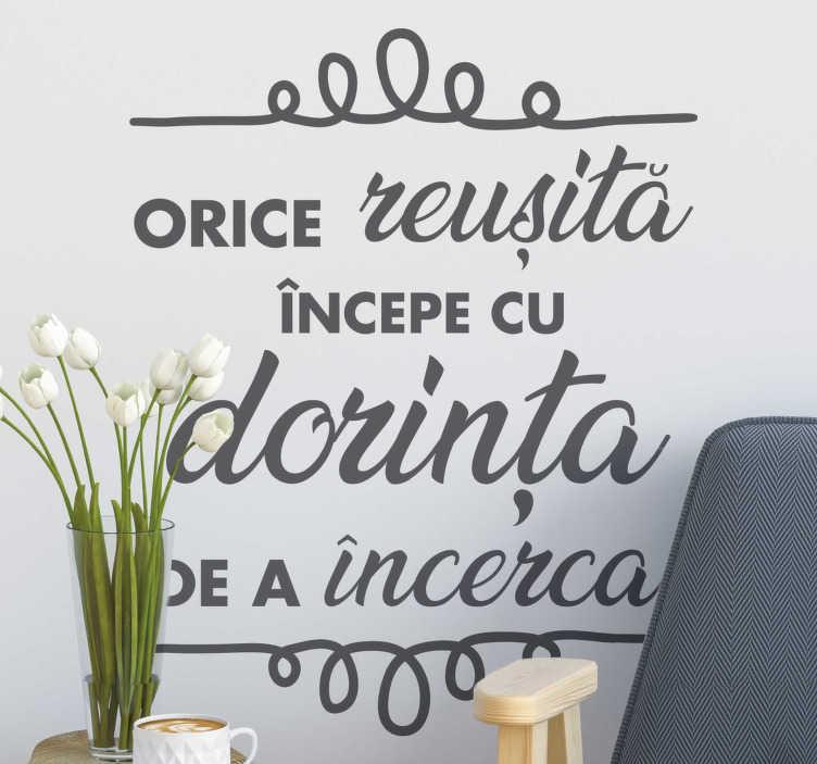 TenStickers. Succes text autocolant. Motivație decal perete și autocolant text. Motivele autocolante de perete sunt perfecte pentru a vă decora biroul sau casa. Material extrem de durabil.