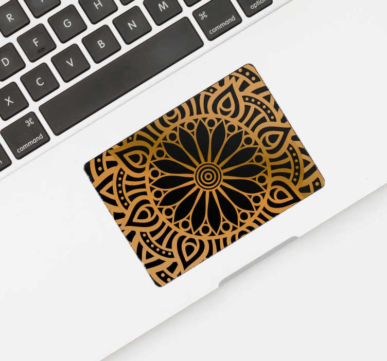 TenStickers. Ornament Touchpad sticker Mandala. Wil je jouw laptop een nieuwe unieke look geven? Dan is deze mandala laptop touchpad sticker de ideale laptop decoratie voor jou