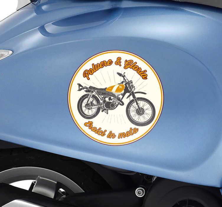 TenStickers. Adesivo per moto Eroici in moto. Sei un appassionato di moto e in particolare fai parte degli Eroici in moto? Allora decora la tua moto o qualsiasi tuo veicolo con questo adesivo moto