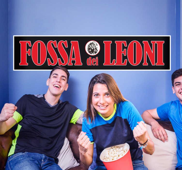 TenStickers. Adesivo murale camera ragazzi fossa dei leoni. Sei un tifoso della squadra di calcio del Milan? Questo adesivo murale fossa dei leoni dimostrerà il tuo amore per i rossoneri!