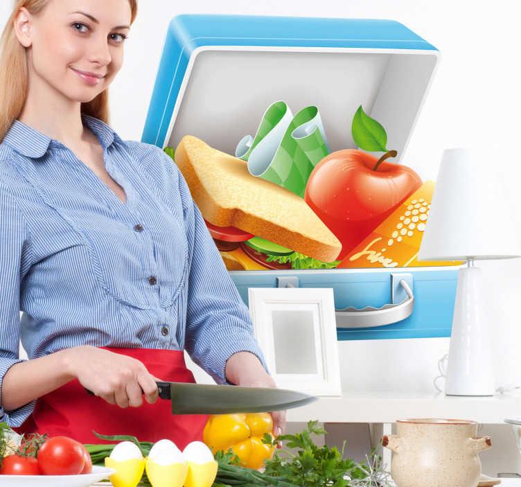 TenStickers. Broodtrommel sticker. Op deze sticker zie je een open broodtrommel met een boterham, een appel, een sapje en een servet.