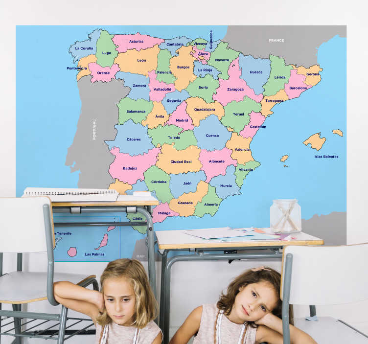 TenVinilo. Vinilo infantil de provincias de España. Un hermoso vinilo decorativo de mapa educativo de la provincia de España en un diseño multicolor. Disponible en diferentes opciones de tamaño.